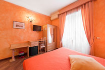 Camera arancio B&B Rifugio di Roma