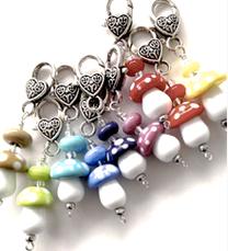 shop geschenk schlüsselbrett pilz glasperlen spenden schlüsselanhänger mutperlen