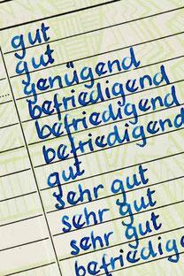 Arbeitszeugnis - wir entziffern die Geheimsprache. Rechtsanwalt für Arbeitsrecht in Rastatt und Bühl