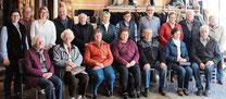 """Die Aster Senioren besuchten mit Pfarrer Raimund Arnold """"Pelz & Design"""" Hofstetter."""