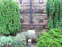 Ehrengrab im Friedhof Malsch von Pfarrer Riehle