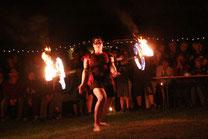 Rebecca bei der Feuershow
