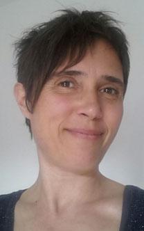 Portrait von Heilpraktikerin Lena Stahl.