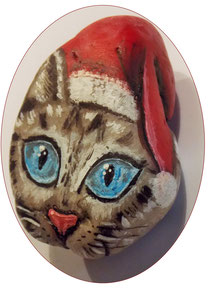#paintedrock #cat #christmascat #stoneart #bemaltesteine #ausgefallenegeschenkideen