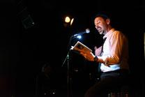 Holger Schlosser liest beim Rampenfieber | Foto: H. Melcher
