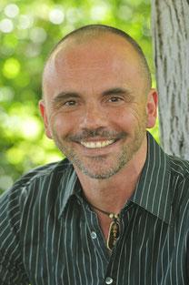 Tom Schindler - Buddhistisch fundierte Psychotherapie & Achtsamkeitsmeditation