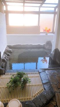 内湯からの由布岳