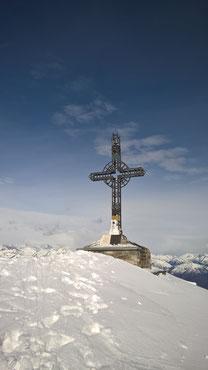 La c roce di vetta del Monte Massone