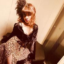 インストラクター 岡野亜紀子 コンテンポラリージャズ