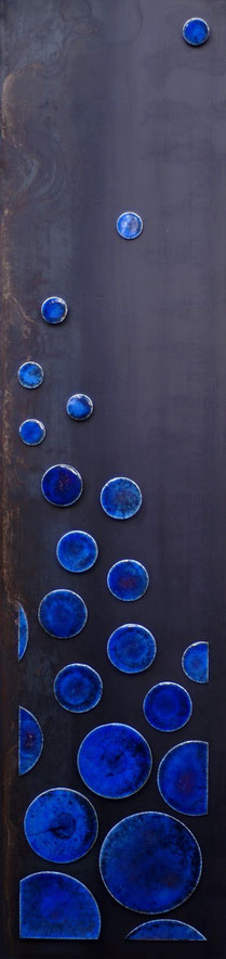 Terre cuite émaillée façon Raku sur plaque d'acier - Hauteur : 187cm - Largeur : 45cm - Collection Particulière (France / Suisse)