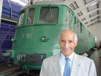Alfred Waldis in der Halle Schienenverkehr des Verkehrshauses.