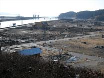 同じ位置から撮った震災後の風景