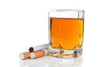 Nikotin und Alkohol während der Schwangerschaft schädigen Ihr Kind. (© dimasobko - Fotolia.com)