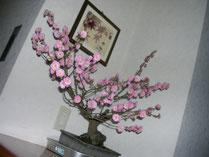 施設内を華やかにしてくれる花たち
