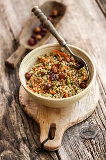 IN FORM, Rezepte, gesund, Quinoa, Salat, Quinoasalat, Frühlingszwiebel, gesunde Rezepte, gesunde Ernährung, vegan, veganes Essen, vegane Rezepte, veganer Salat, Hauptgericht, Mahlzeit, Mittagessen, Abendessen