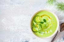 Geprüfte IN FORM-Rezepte, IN FORM, gesunde Ernährung, gesundes Essen, gesund essen, gesunde Rezepte, gesund abnehmen, Abnehmrezepte, Suppe, Gurkensuppe, Gurken-Joghurt-Suppe, Sommerliches Rezept, Kalte Suppe, vegetarisches Rezept, vegetarische Suppe