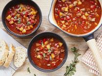 Geprüfte IN FORM-Rezepte, IN FORM, gesunde Rezepte, gesunde Ernährung, gesundes Essen, gesund essen, gesund abnehmen, abnehmen, gesund kochen, DGE, Deutsche Gesellschaft für Ernährung, Rezept, Kochrezept, kochen, Suppe, Suppenrezept, Gulaschsuppe, Gulasch