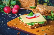 IN FORM, Geprüfte IN FORM-Rezepte, gesunde Ernährung, gesunde Rezepte, gesundes Essen, DGE, 10 Regeln, 10 Regeln der DGE, Sandwich, Sandwichrezept, Brot, Vollkorn, Vollkornbrot, gesundes Frühstück, gesundes Mittagessen, gesundes Abendessen, gesunder Snack