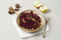 Geprüfte IN FORM-Rezepte, IN FORM, DGE, vegetarisch, vegetarisch kochen, vegetarisch essen, vegetarisches Essen, vegetarisches Rezept, vegetarische Küche, gesunde Ernährung, Ernährung, Gesundheit, Roher Rote-Bete-Salat, Rote Bete, Salat, Rote-Bete-Salat