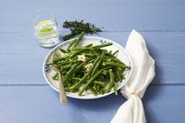 IN FORM, gesunde Rezepte, gesunde Ernährung, gesundes Essen, gesund essen, gesund abnehmen, gesund kochen, Deutsche Gesellschaft für Ernährung, Rezept, Kochrezept, kochen, Grüne-Bohnen-Salat, Bohnen-Salat, Salatrezept, veganer Salat, veganes Salatrezept