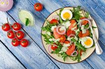 Geprüfte IN FORM-Rezepte, IN FORM, gesunde Ernährung, gesunde Rezepte, Salat, Lachs, Ei, gesunder Salat