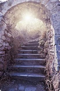 Spirituelle Rueckfuehrungen ins Vorleben führen zu tiefen Einsichten