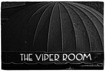 """Der Viper Room wurde 1993 gegründet und gehörte bis 2004 Johnny Depp. Oliver Stone drehte hier """"The Doors"""", River Phoenix brach unter dieser Markise nach einer Überdosis tot zusammen und Johnny Cash wurde hier von Rick Rubin wiederentdeckt."""