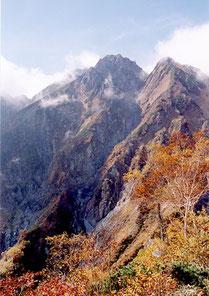 秋の五竜岳