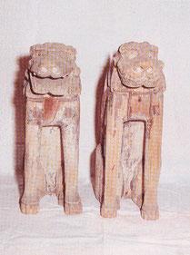 伊勢から運ばれた木造狛犬