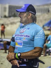 Worlds best surfers