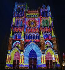 Somme Groupes - Voyages en groupes - Somme - Groupes - Séjour - Hauts de France - Agence de voyages - Réceptif - Amiens - Hortillonnages - Cathédrale Notre Dame - Colorisation de la Cathédrale d'Amiens - Chroma Cathédrale d'Amiens - Patrimoine - UNESCO
