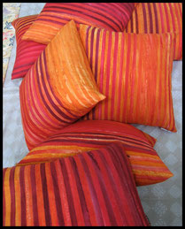Textiil Batik Pillows Red Orange Stripe