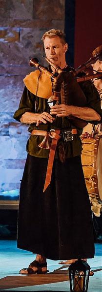 Detlef,der Meister(Dudelsack,Rauschpfeife,Davul)