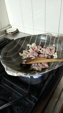 仲本律子 女性陶芸家 茨城県笠間市 粉引作品 土鍋作品 土鍋料理