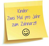 Zahnärzte empfehlen: Mindestens zwei Mal jährlich zur Kontrolle und Prophylaxe! (© kharlamova - Fotolia.de)