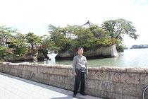 松島を代表する景色。島には五大堂がある。