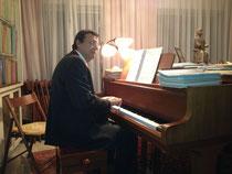 Elias spielt für mich ein libanesisches Volkslied.