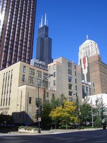 シアーズタワーとシカゴの街並み