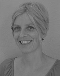 Andrea Langbehn Feinmotoriktherapeutin/Heilpädagogin   Diagnostik und Beratung Feinmotoriktherapie    Praxis:  Adolfstr. 31 a 24105 Kiel Fon: 0431-1220322 http://www.schreibmal-kiel.de