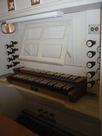 Orgel in Freienhagen, Spieltisch