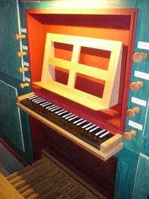 Orgel in Dehringhausen, Spieltisch