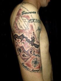 地図と羅針盤のタトゥー