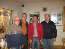 Die drei Erstplatzierten mit dem Vorsitzenden Klaus Brandl