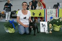 """Stolze Sieger! jolanda (Kennel """"desmilleemotions"""" (Frankreich) mit Orca"""