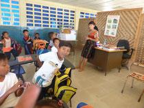 Auf Porvenir gehen die Kinder zur Schule