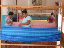 Die Hängemattenproduktion ist in der Hand von Frauen - wie hier in Puerto Telchac