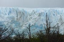 Blautöne im Gletschereis