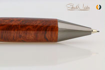 Handgemachter Bleistift aus Edelholz