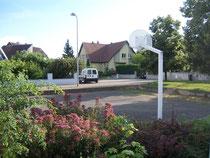 Le gite est situé dans un quartier calme a proximité d'une place de jeu