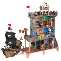 """Matériel de jeux en bois : Circuit pour enfants en bois """"Ensemble de jeu de pirates en bois"""" kidcraft. Circuit enfants en bois """"Ensemble de jeu de pirates en bois"""" de qualité et à acheter pas cher."""